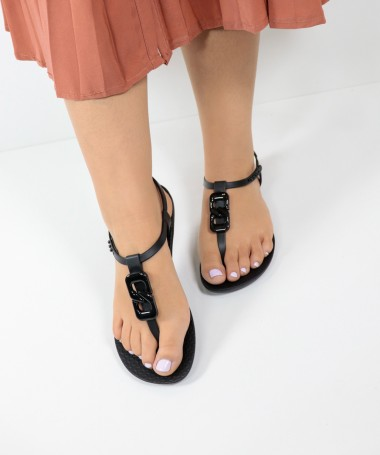 Sandálias Ipanema Preto com Aplicação