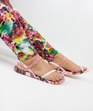 Sandálias Ipanema com Padrão Rosa