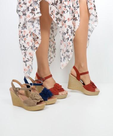 Sandálias de Senhora Ginova com Flor na Frente
