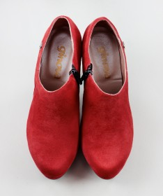 Botins Vermelhos de Salto Alto Ginova Elegantes