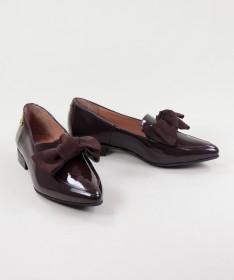 Sapatos Castanhos Rasos Ginova Envernizados com Laço