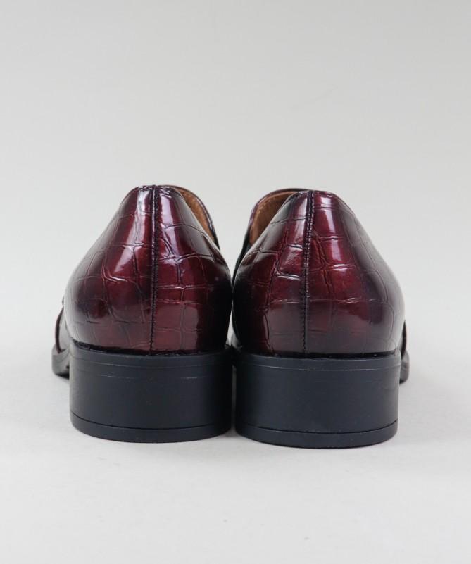 Sapato Bordô Feminino Ginova com Aplique Metálico