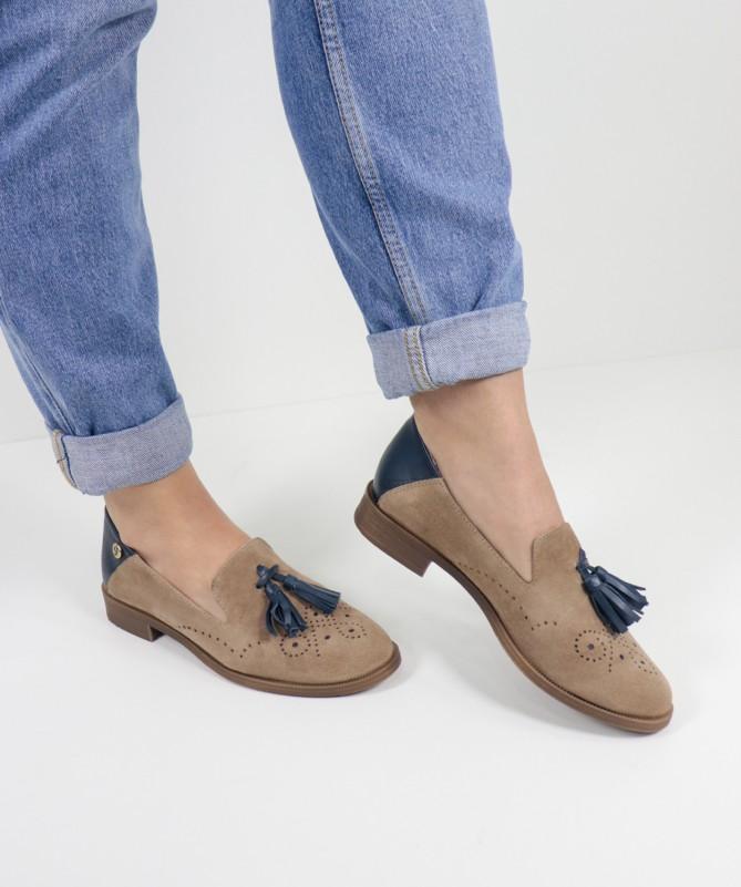 Sapatos Taupe Rasos de Senhora Ginova com Berloque
