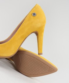 Stilettos Amarelos de Senhora Ginova em Camurça