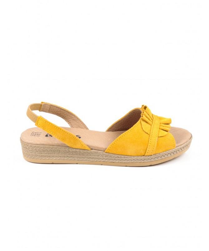 Sandálias Rasas de Mulher Ginova Amarelo com Pregas