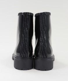 Sapato de Homem Moderno Interior: Pele Exterior: Pele Sola: Outros materiais Fabricado em Portugal