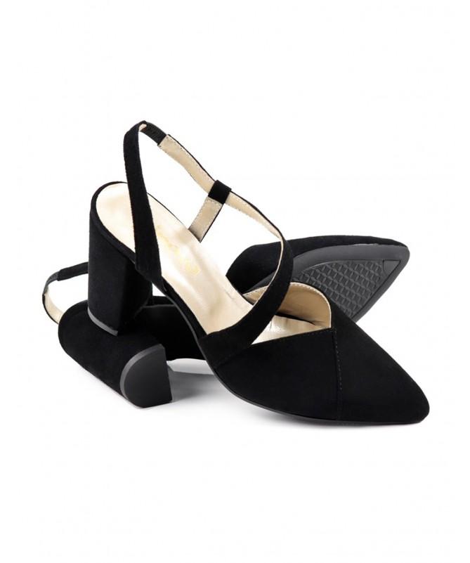 Sandálias de Mulher Ginova Pretas com Corte Elegante