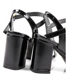Sandálias Pretas de Senhora em Tacão Quadrado de Verniz Ginova