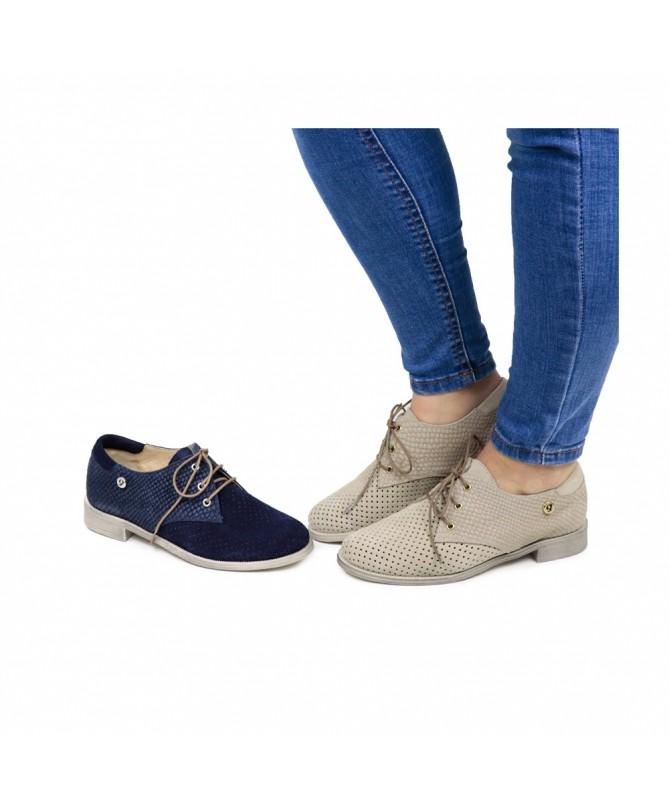 Sapatos Baixos de Senhora Perfurados