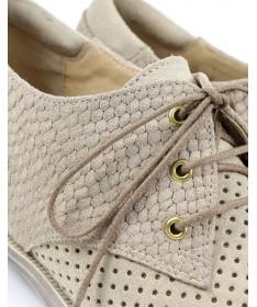 Sapatos Baixos de Senhora Beges Perfurados