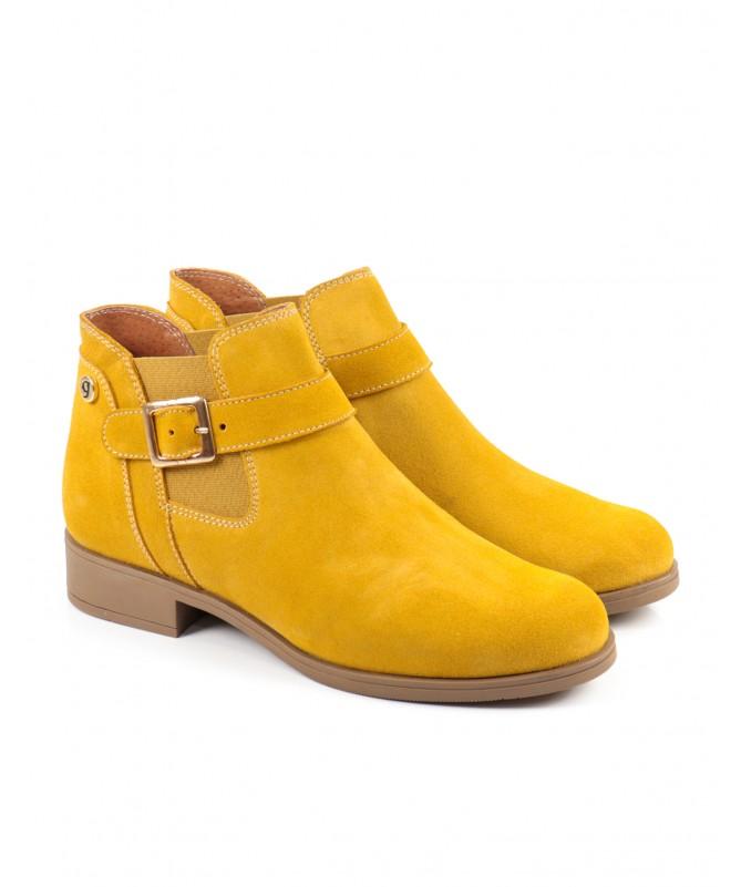Bota Amarela Rasa Ginova com Elástico