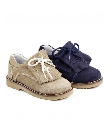 Sapato de Criança com Franjas e Atacadores