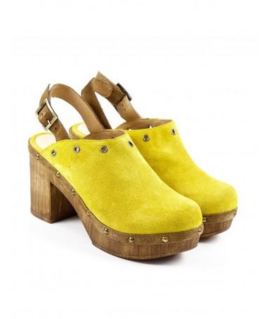 Socas Amarelas de Mulher Ginova Compensadas