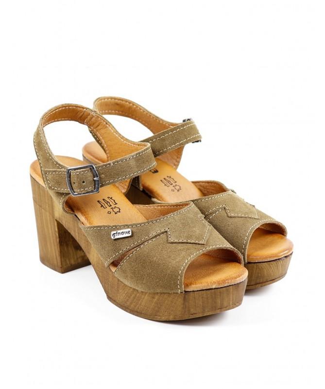 Sandálias Taupe Femininas Ginova em Camurça
