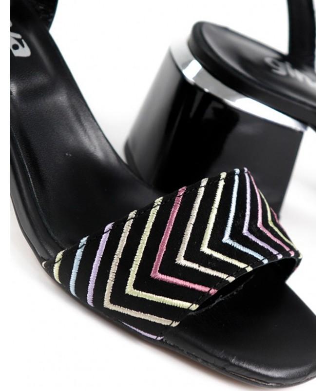 Sandálias Pretas de Senhora Ginova de Tacão Quadrado