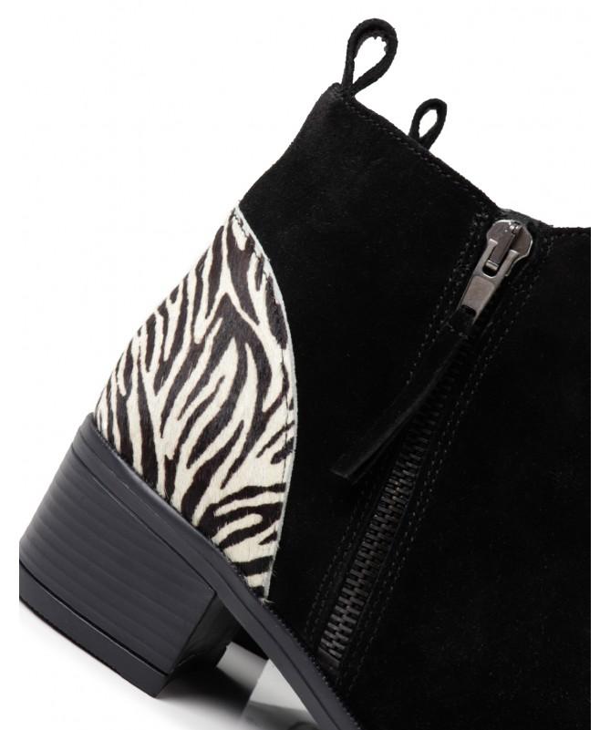 Botins de Salto Médio Ginova com Padrão Zebra